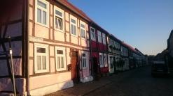 Straße mit Fachwerkhäusern